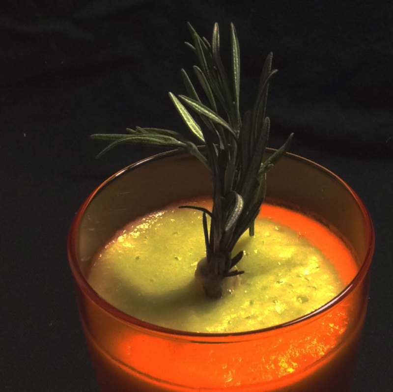 cauliflower-pineapple-and-rosemary-juice