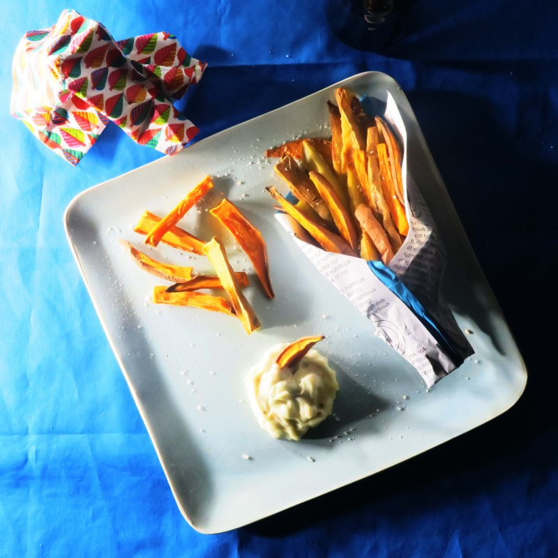 fries and egg free garlic mayo dark